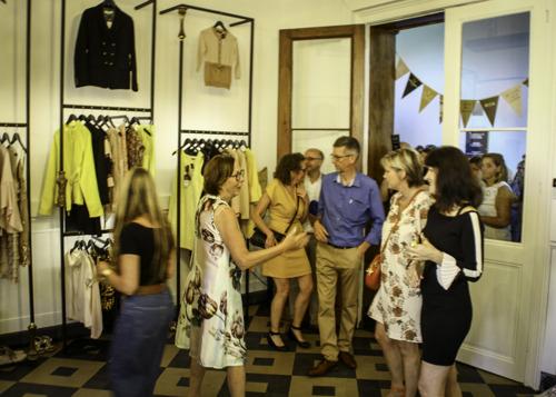 Eerste kringboetiek 'ABOUT QUEENS and their dresses' opent deuren in Tienen
