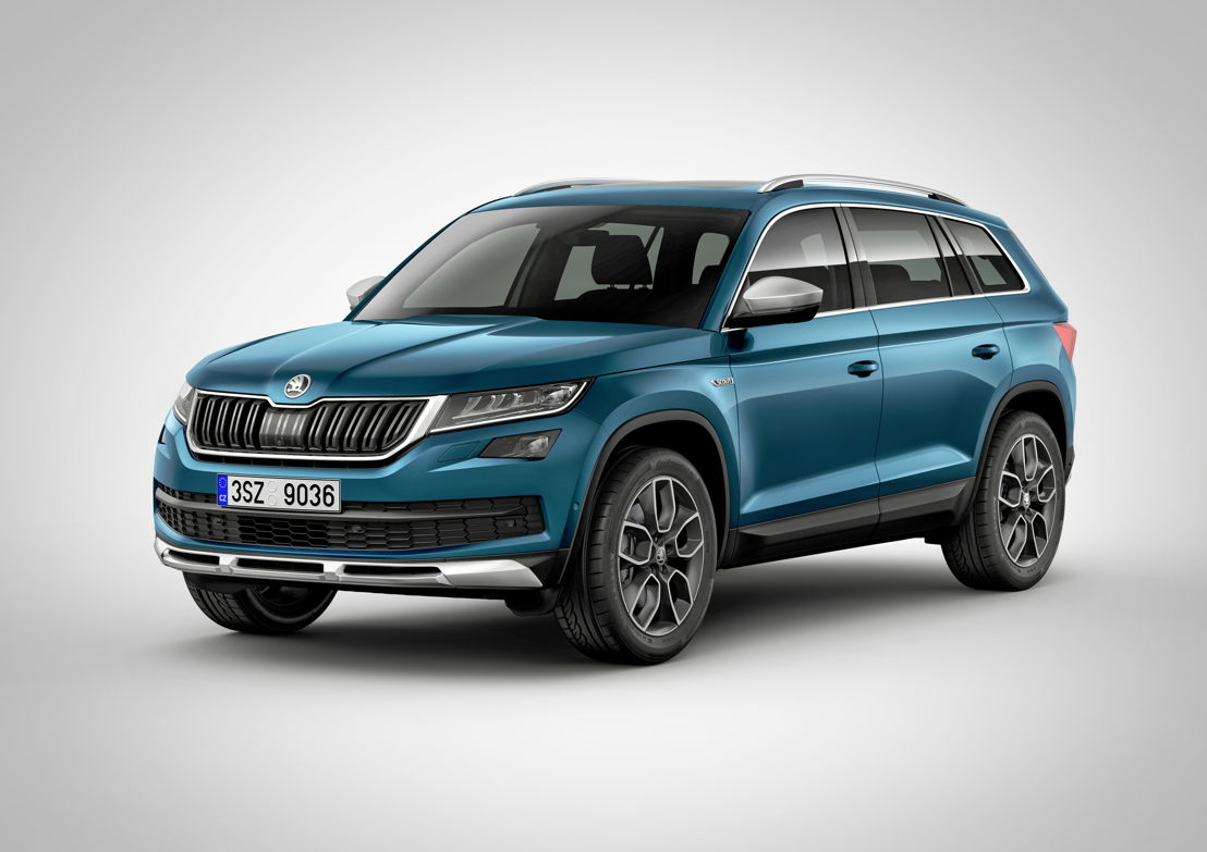 The 19-inch alloy wheels specially created for the ŠKODA KODIAQ SCOUT also contribute to its powerful appearance.