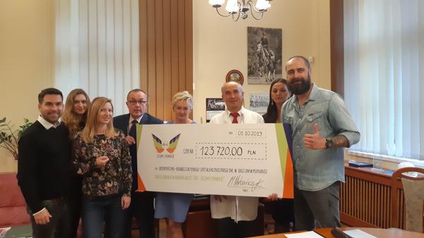 """Preview: Ponad 123 000 zł zebraliśmy w ramach akcji """"OLX - Lecimy z pomocą""""!"""