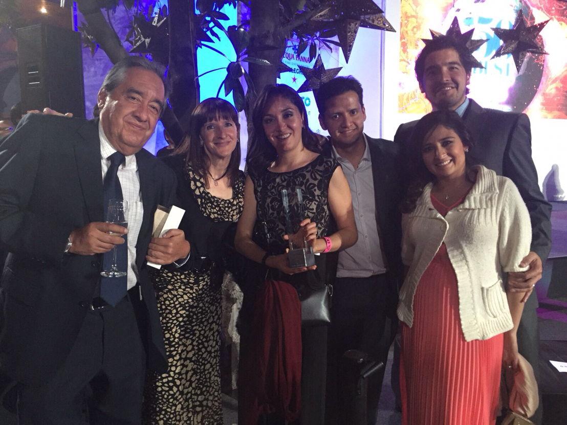 Chef Jorge Vallejo y su esposa Alejandra Flores gandores del mejor restaurante de México Quintonil Celebrando con su familia