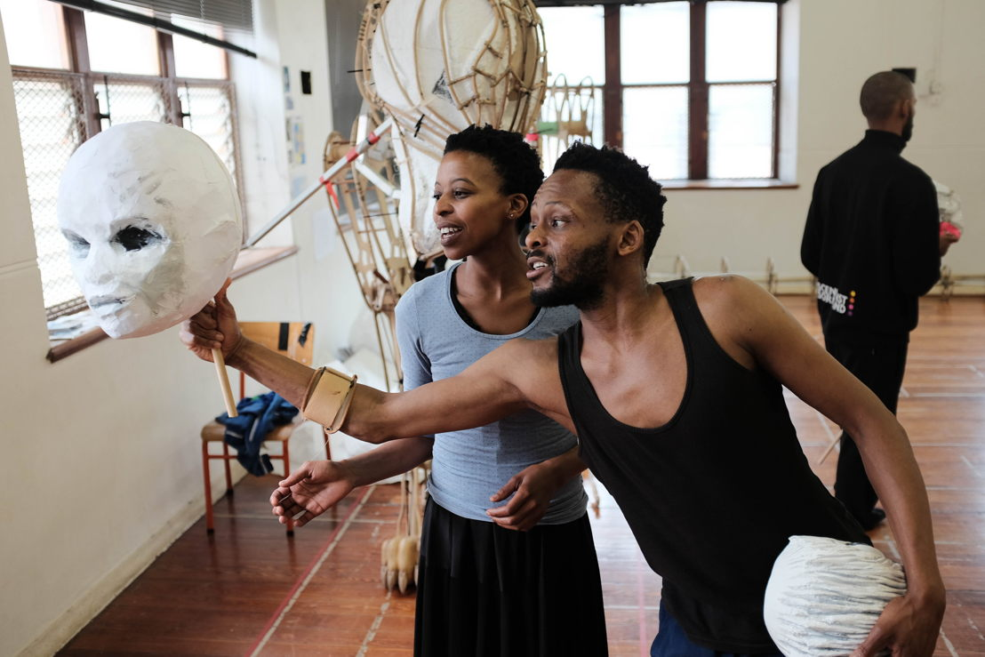 Jackie Manyaapelo and Mongi Mthombeni in workshop for The Firebird - Mongi is not in the performance - credit Luke Younge