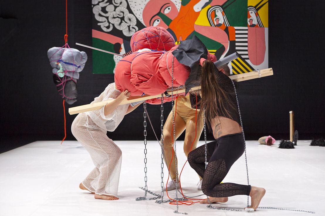 Fr. 16 &amp; Sa. 17.3 - dance: March<br/>Sonja Jokiniemi (FI) - Blab <br/>© Simo Karisalo