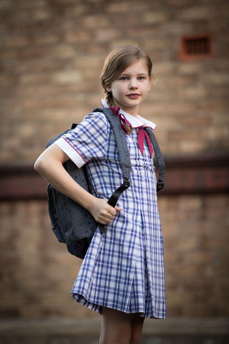 Hannah (Evie Macdonald).