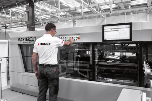 Bobstは、コネクテッドテクノロジーソリューションを発表して、板紙加工分野のデジタル変革を推進しています