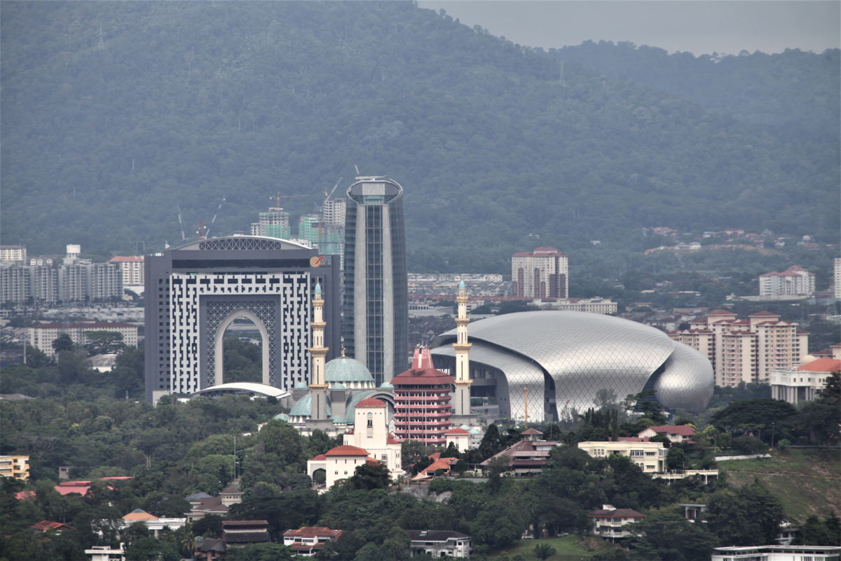 MITEC derives its unique shape from the rubber seed; a symbol of the MalaysianGÇÖs historical trade business