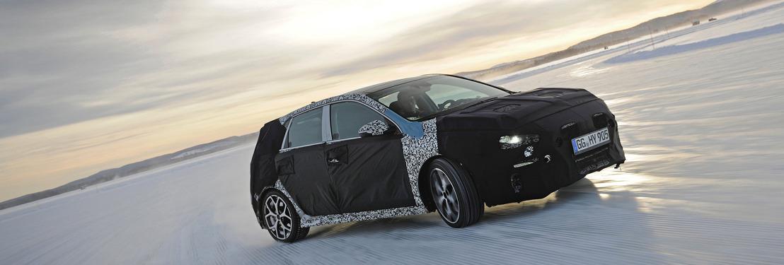 Thierry Neuville test Hyundai's eerst high-performance-model, de Hyundai i30 N, in Zweden