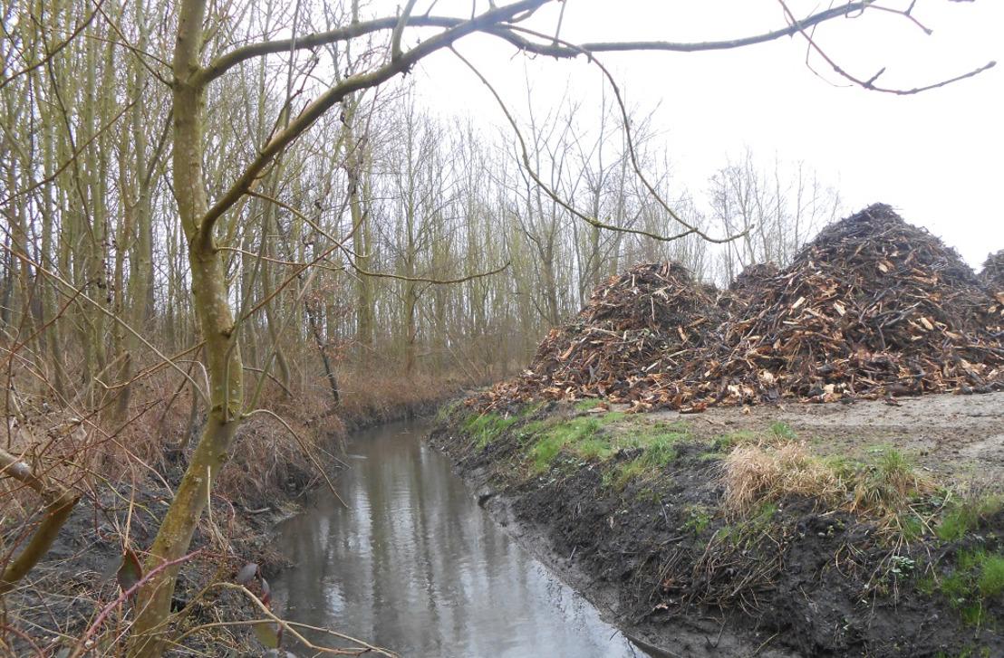 Twee extra toezichthouders sporen milieumisdrijven langs waterlopen op