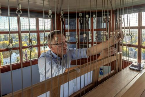 Luc Rombouts wordt beiaardier van de Vredesbeiaard in Abdij van Park