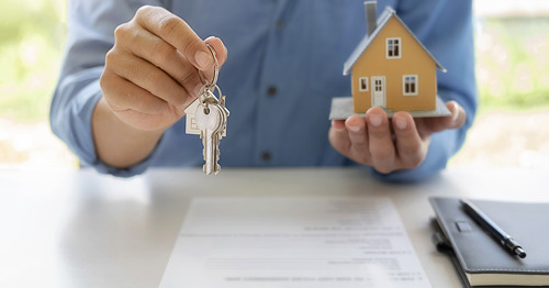 Immoscoop, KBC en 16 vastgoedmakelaars slaan handen in elkaar en bouwen samen referentie online vastgoedplatform