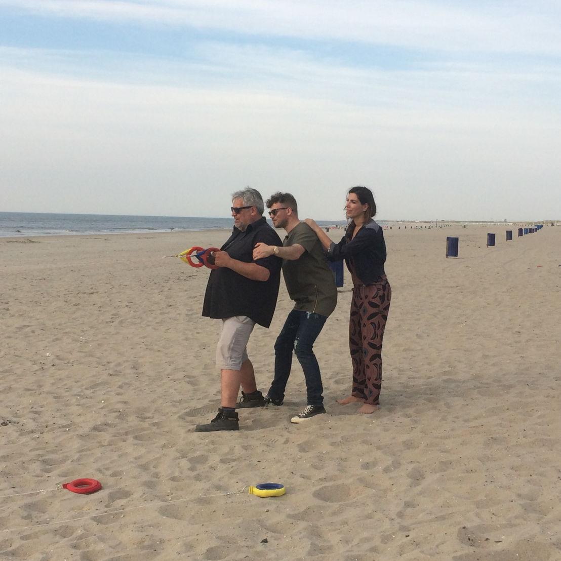 Saartje Vandendriessche, Gers Pardoel en Kamal Kharmach in de Oranje boven special van Weg zijn wij (c) VRT