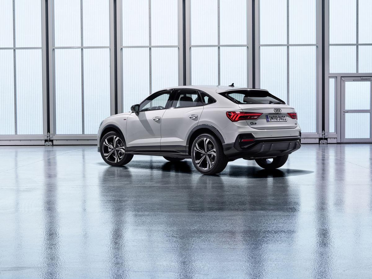 Audi Q3 Sport back arrière